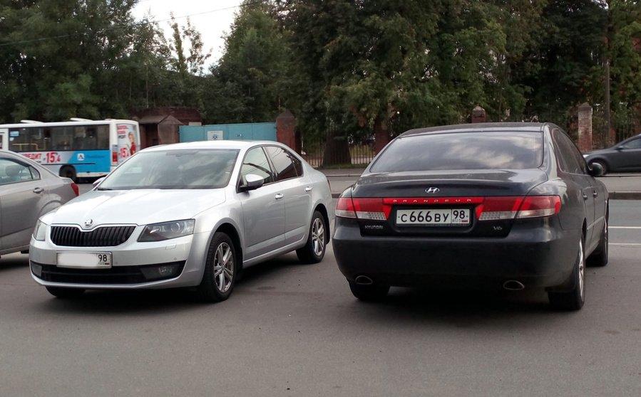 мироненко на автомобиле skoda octavia выехал