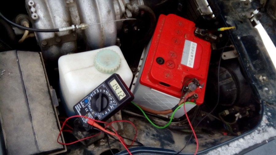 Ваз 2107 инжектор сажает аккумулятор 53