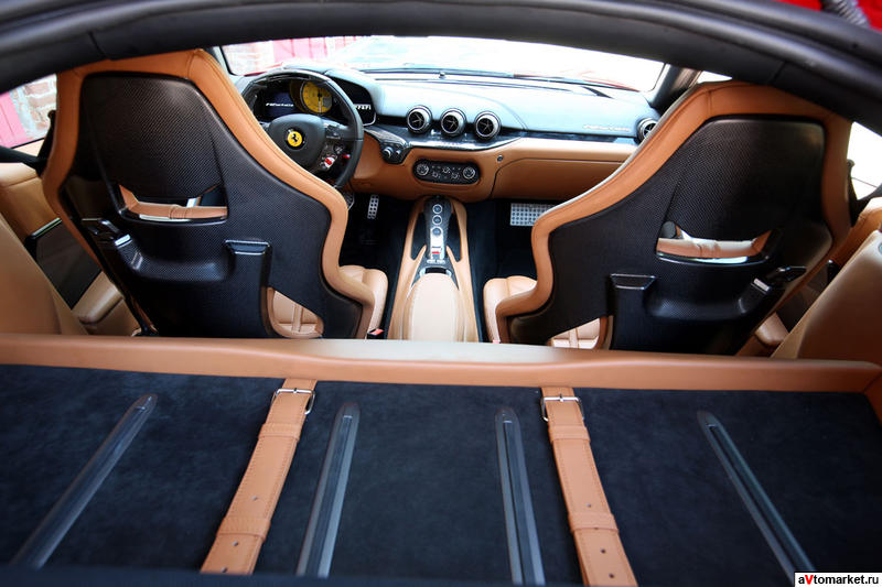 Ferrari 2013 berlinetta interior