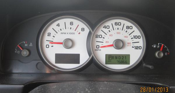 ������� Ford Escape 2004 �.�.! �������� i745
