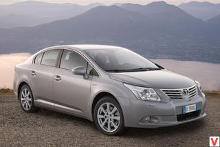 Toyota Avensis 2010 г.