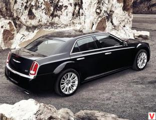 Chrysler 300C 2012 год