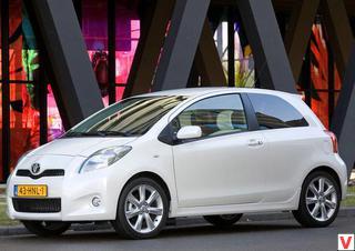 Toyota Yaris 2009 год