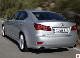 Lexus IS 2005 год