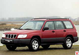 Subaru Forester 2000 год