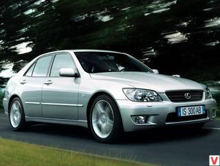Lexus IS200 1999 год