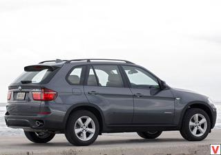BMW X5 2010 год