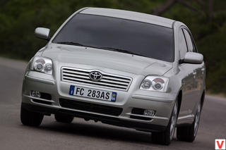 Toyota Avensis 2004 г.