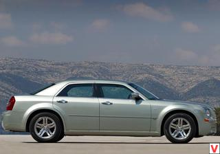 Chrysler 300C 2004 год