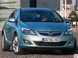 Opel Astra 2010 год
